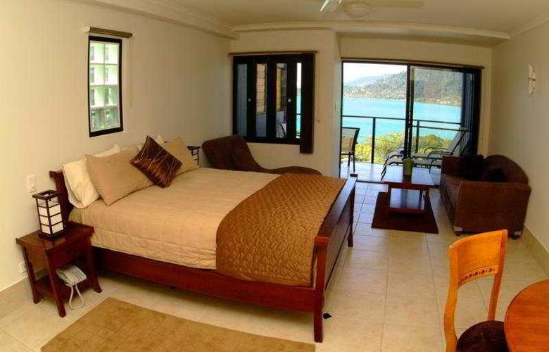 at Waterfront Whitsunday Retreat - Room - 3