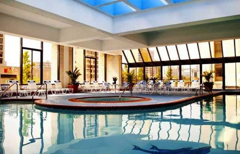 Crystal City Marriott Reagan National Airport - Pool - 3