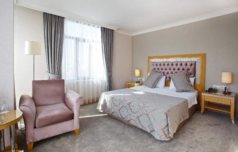 Villa Zurich - Room - 8