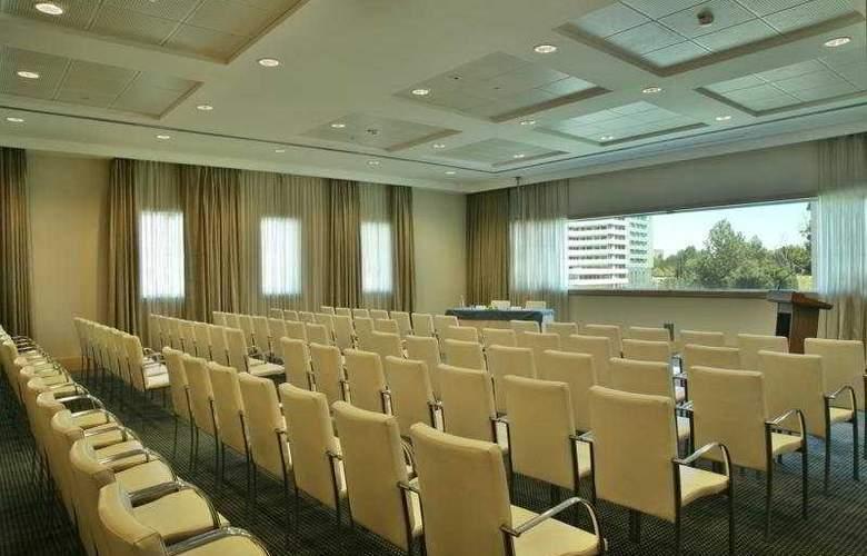 Sana Malhoa - Conference - 8