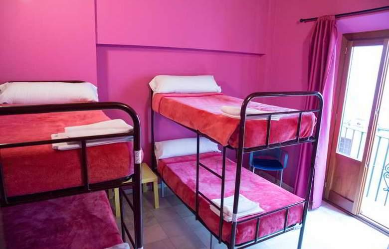 White Nest Hotel - Room - 9