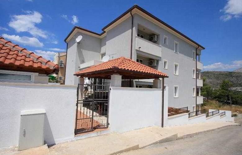 Villa Erna - Hotel - 0