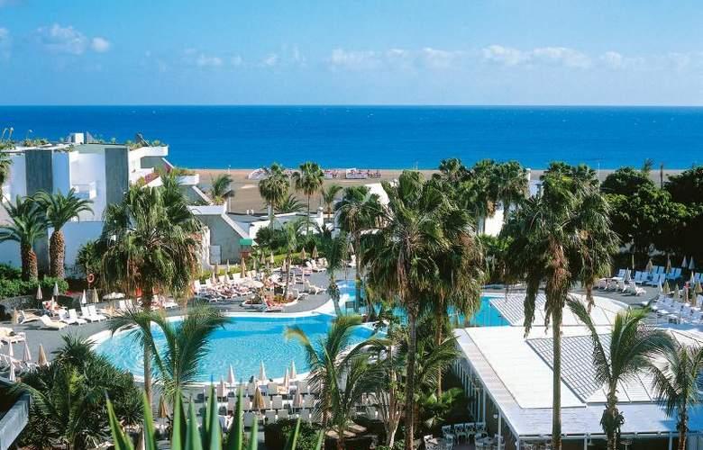 Fun4All Riu Paraiso Lanzarote - Beach - 16