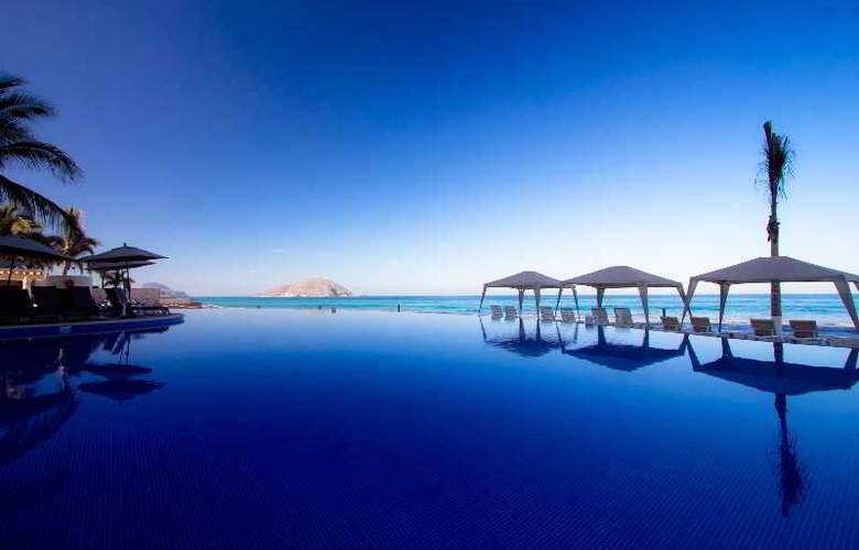 Crowne Plaza Resort Mazatlan - Pool - 39