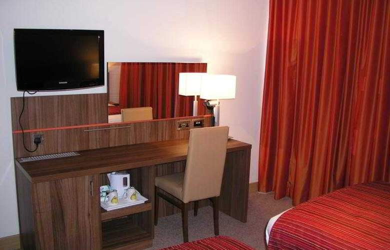 Ramada Hounslow/Heathrow East - Room - 5