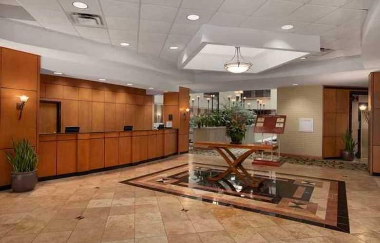Hampton Inn & Suites Tulare - Hotel - 0