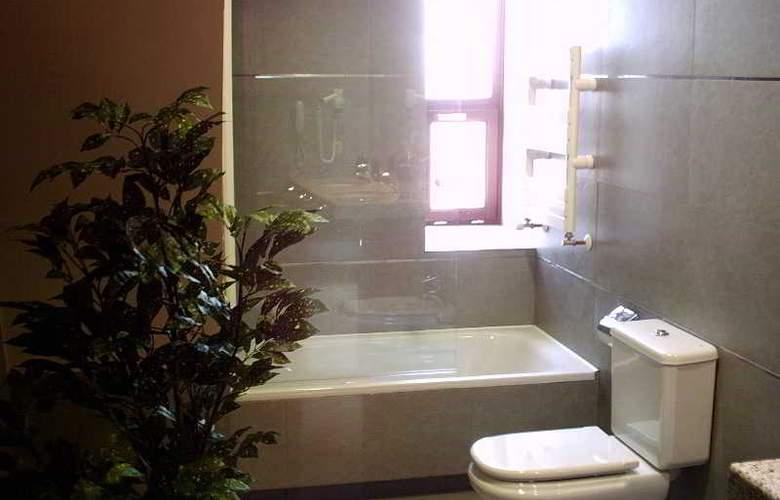 Hospes Palacio de Arenales - Room - 11