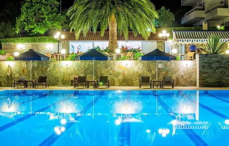 Port Marina - Hotel - 3