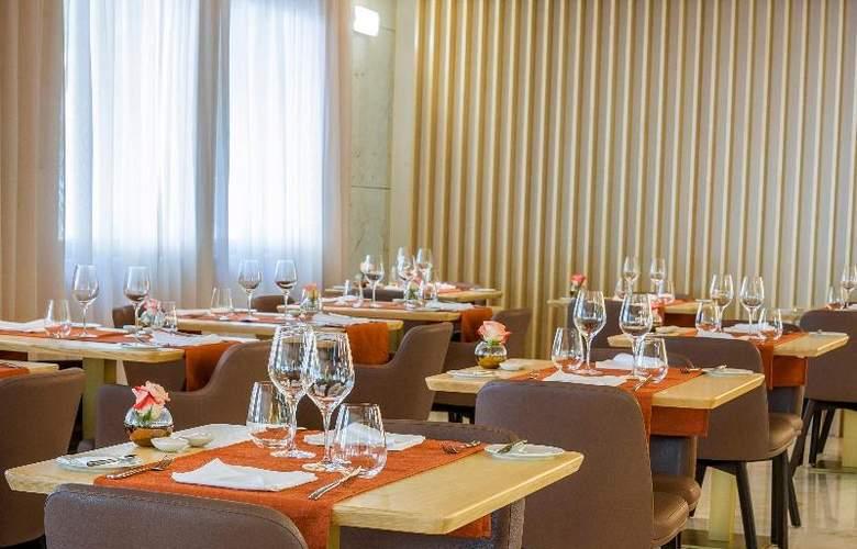 Occidental Lisboa - Restaurant - 16