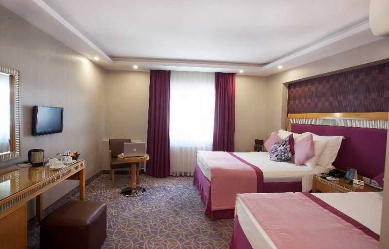 Carlton - Room - 7
