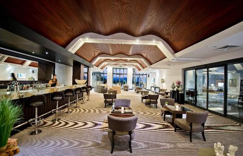 Ramada Resort Bodrum - Bar - 30