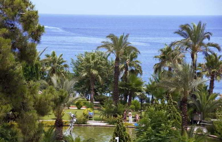 Crystal De Luxe Resort & Spa - Hotel - 10