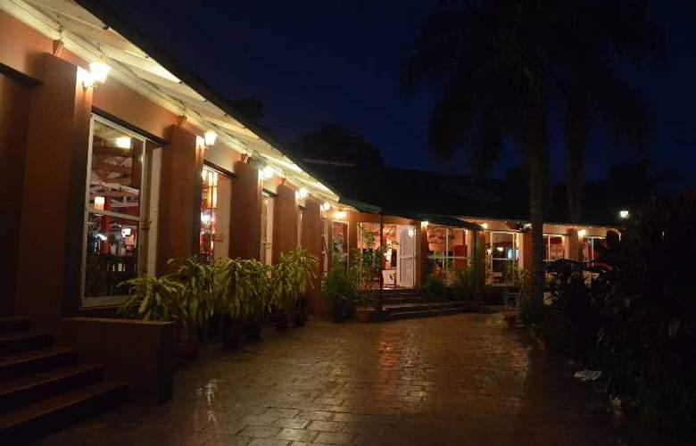 Hostel Inn Iguazu - Terrace - 9