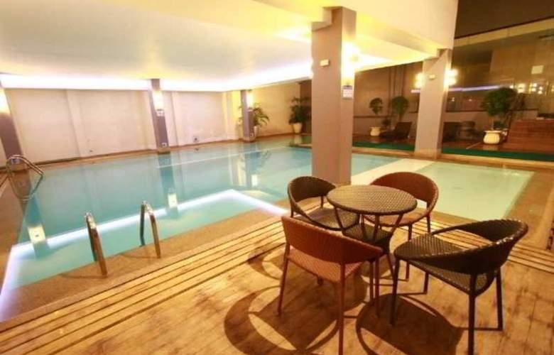 Dohera Hotel - Pool - 9