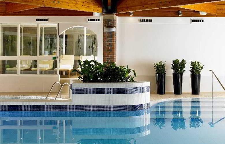 York Marriott - Pool - 4