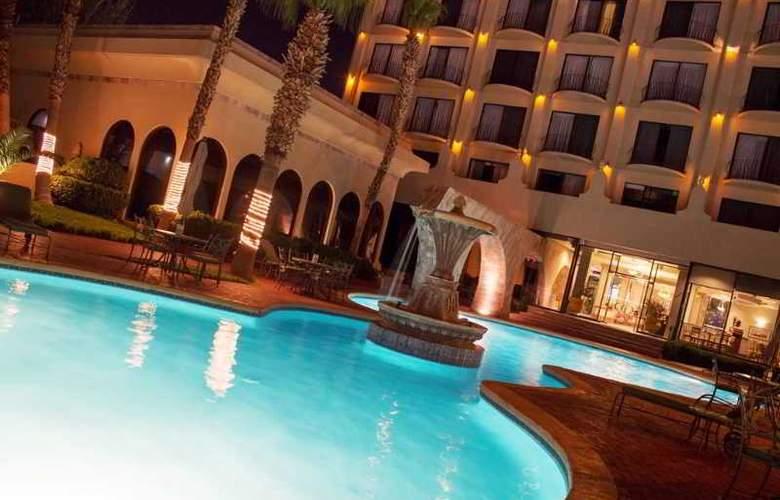 Lucerna Ciudad Juarez - Pool - 19
