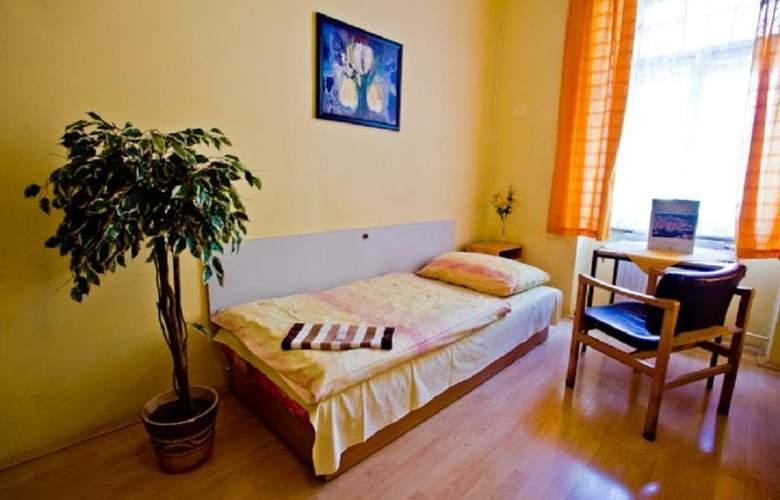 Hostel Dakura - Hotel - 0
