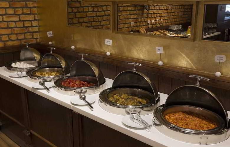 Ramada Hotel & Suites Atakoy - Restaurant - 26