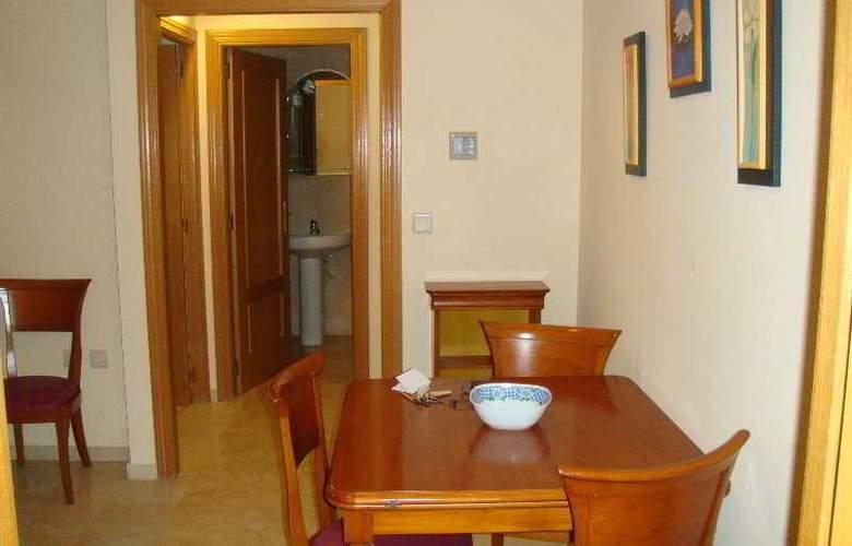 Apartamentos Gemelos XX Aloturin - Room - 8