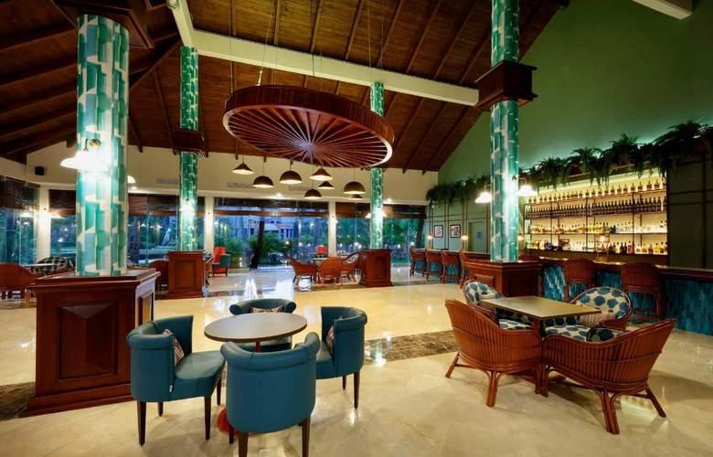 Grand Palladium Punta Cana Resort & Spa  - Bar - 27
