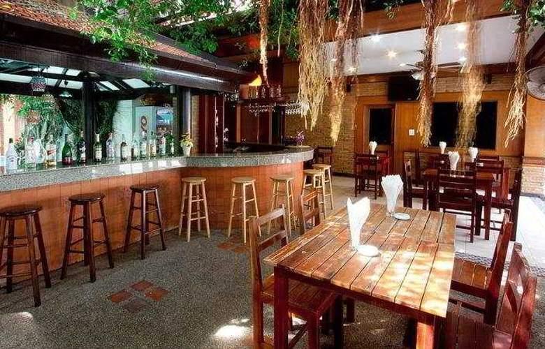 Jang Resort - Bar - 11