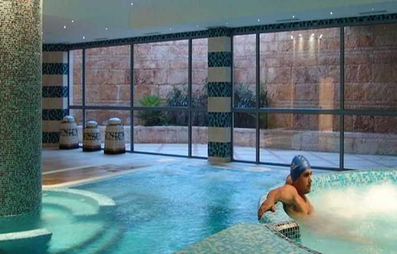 Grande Real Santa Eulalia Resort & Hotel Spa - Sport - 4