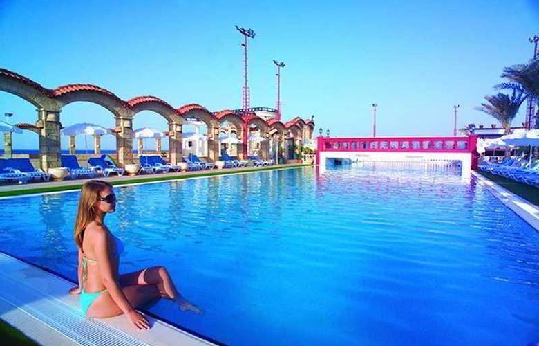 Club Hotel Sera - Pool - 6