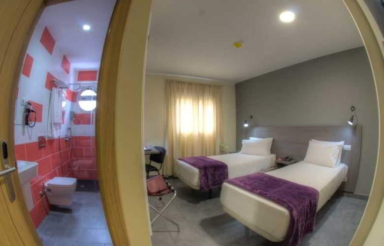 Hotel Puerto Canteras - Room - 2