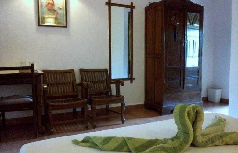 Ruffles Resort - Room - 9