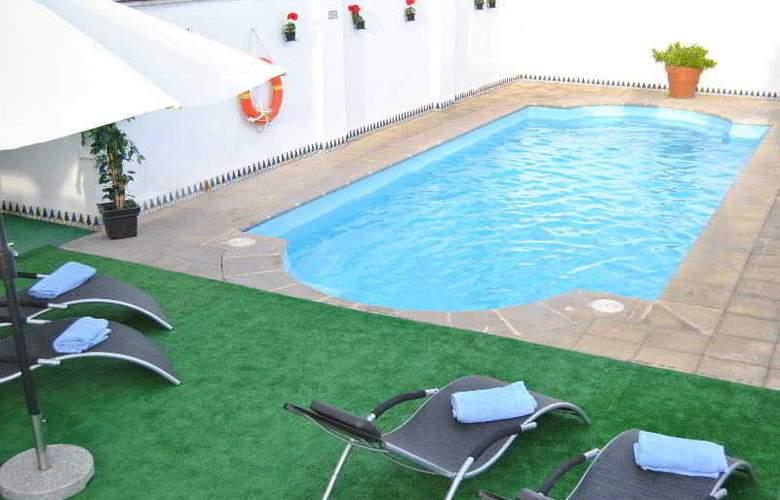Corona de Granada - Pool - 20