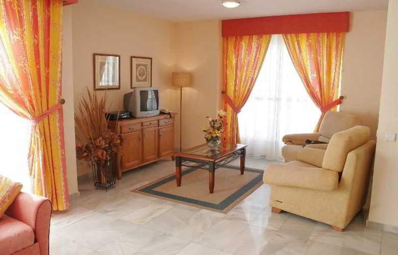 Apartamentos Fenix Beach - Room - 9