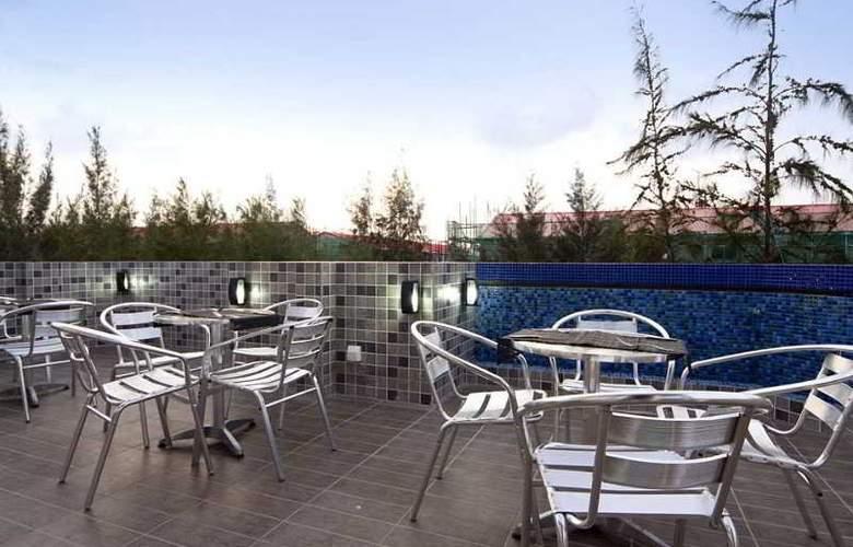 Elite Inn - Terrace - 2