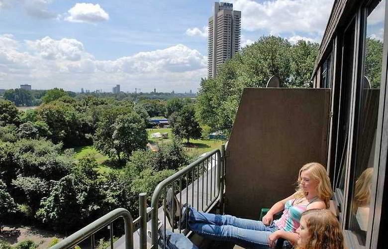 Jugendherberge Köln-Riehl - City Hostel - Terrace - 6