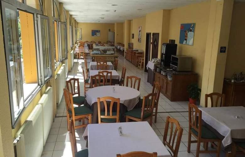 Les Terres - Restaurant - 11