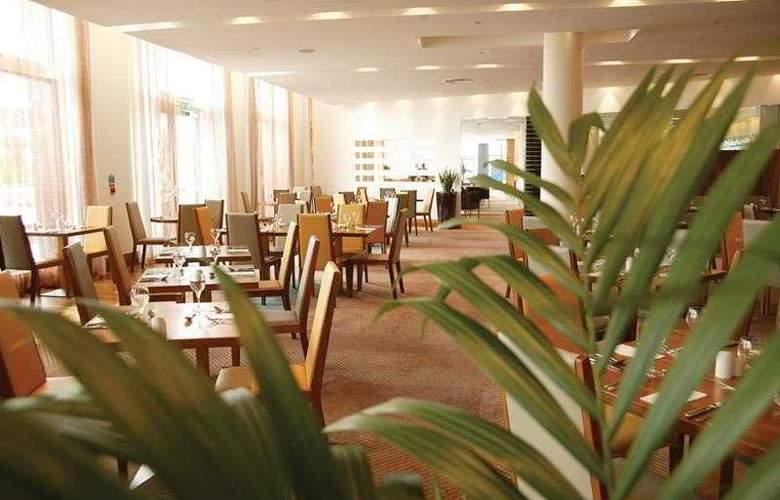 Hilton Dublin Airport - Restaurant - 7