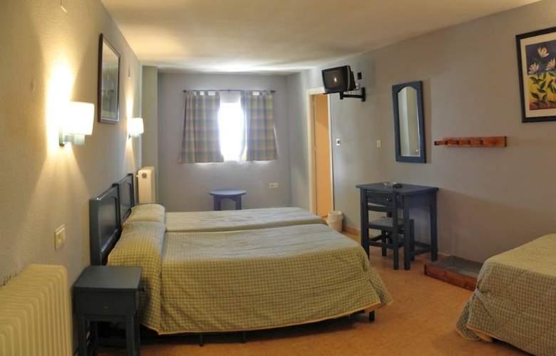 Hostal El Ciervo - Room - 8