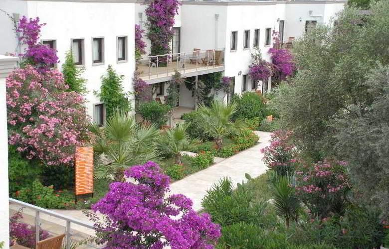 MiraLuna - Hotel - 0