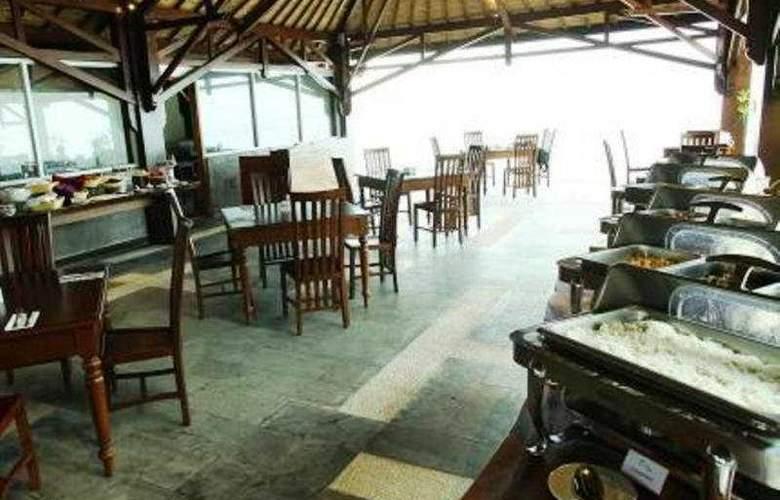 Aston Sunset Beach Resort - Gili Trawangan - Restaurant - 11