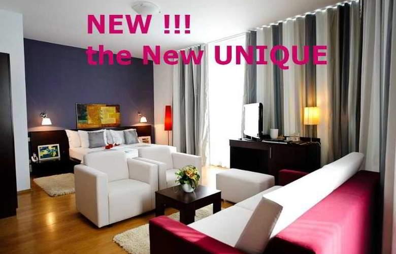 Unique - Room - 9