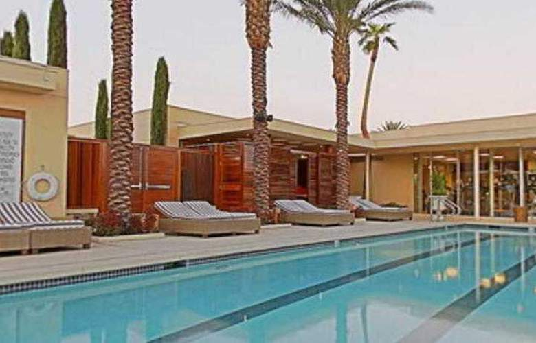 Green Valley Ranch Resort & Spa Casino - Pool - 23