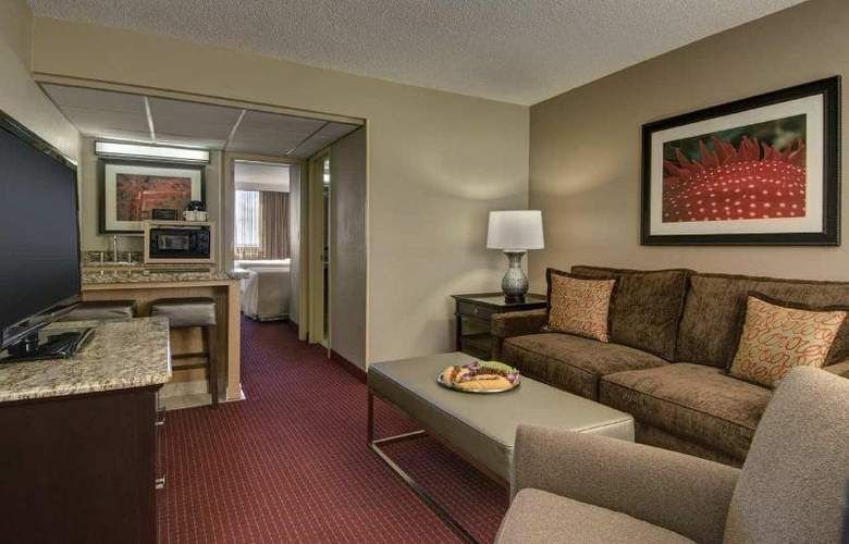 Embassy Suites West Palm Beach Airport - Hotel - 7