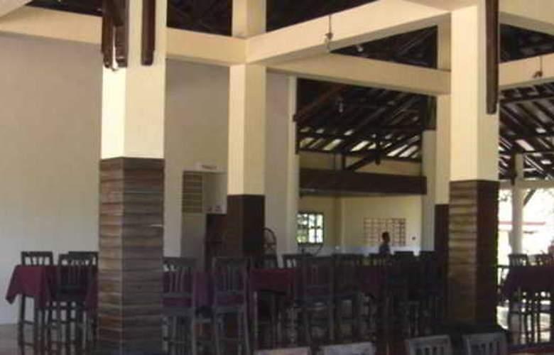 Kuta Indah Hotel & Restaurant - Hotel - 2