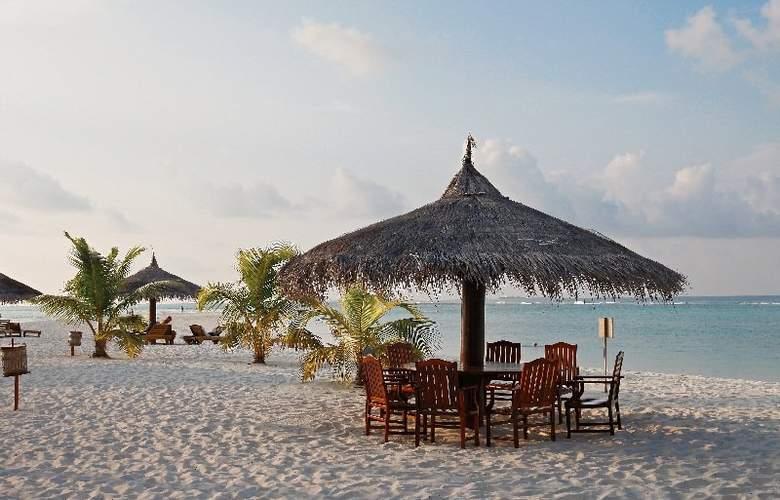 Palm Beach Resort & Spa Maldives - Beach - 39