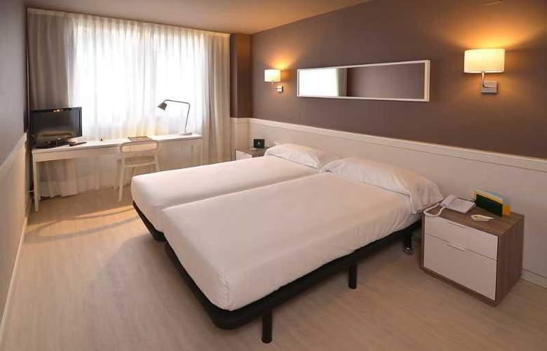Paral-lel - Room - 7
