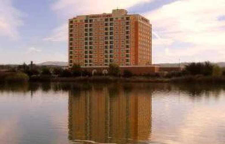 Embassy Suites Monterey Bay Seaside - Hotel - 0