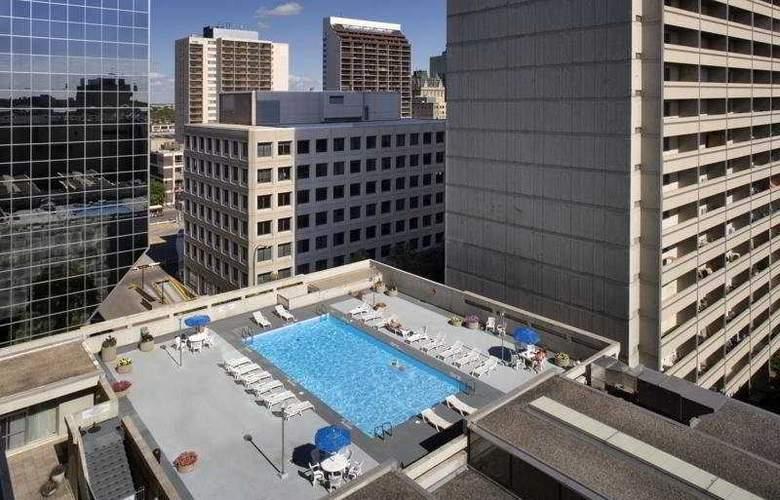 Delta Winnipeg - Pool - 4