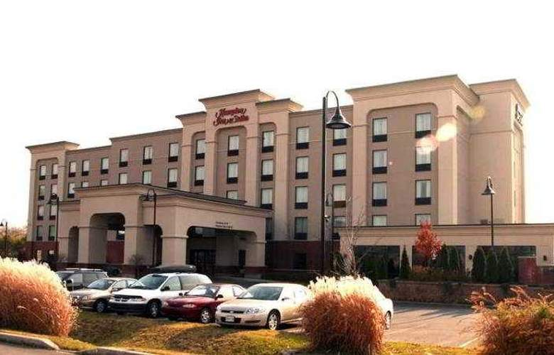 Hampton Inn and Suites by Hilton Laval - Hotel - 0