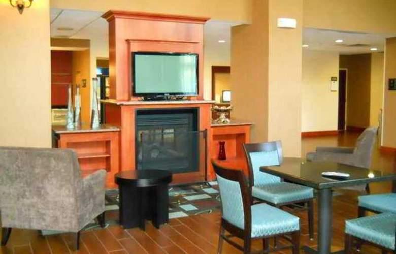 Hampton Inn & Suites Greenfield - Hotel - 5