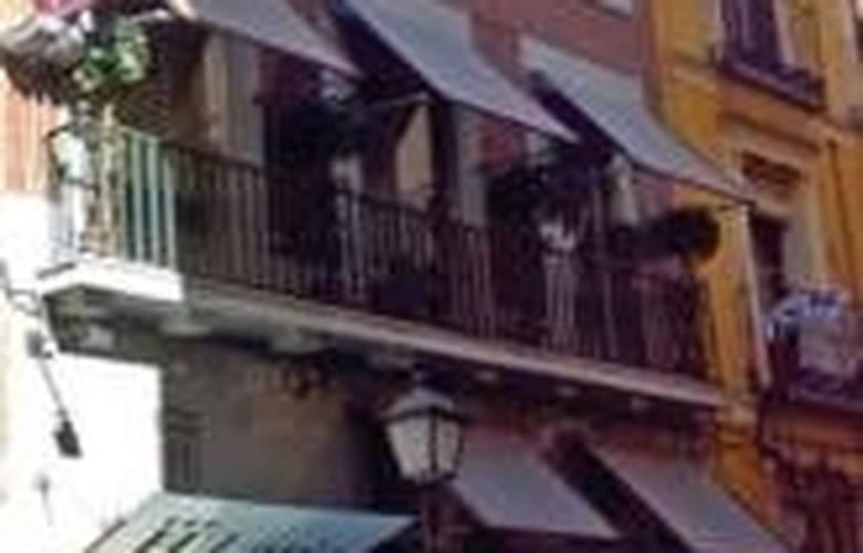 Laris - Hotel - 0