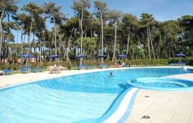 Mercure Tirrenia Green Park - Pool - 3